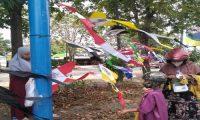 Momen Hari Raya Idul Fitri 2021, Pedagang Layang-Layang Depan Masjid Baitus Suada Sumokali Sidoarjo Jadikan Ladang Rezeki