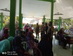 Warga Desa Ringinanom Terima Vaksin Merdeka Semeru 2021